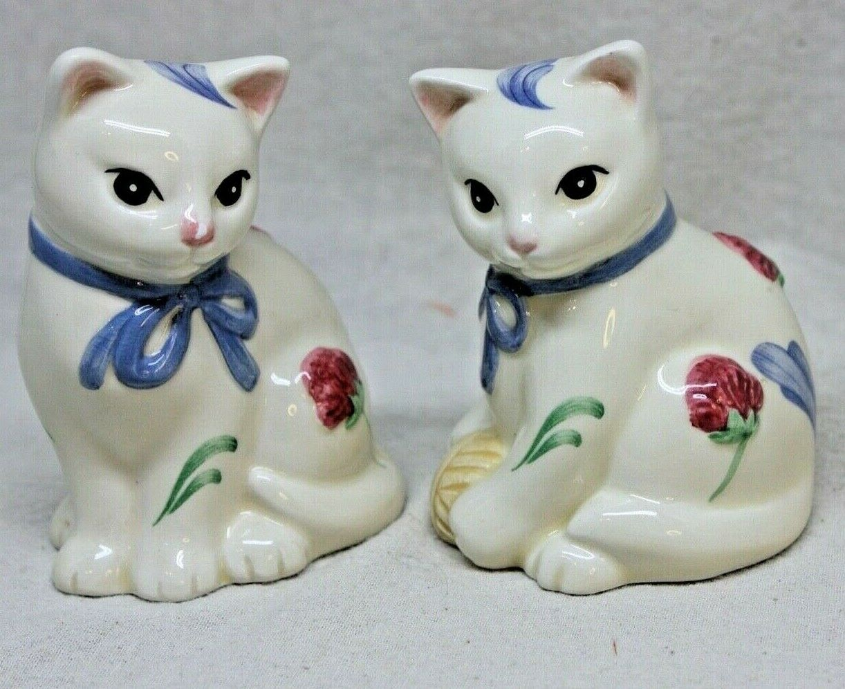 Lenox Cat Salt and Pepper Shakers Poppies on Blue Barnyard Collection P188 Lenox