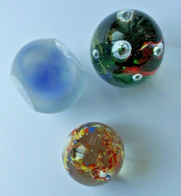 ART GLASS PAPERWEIGHT LOT. OVAL, EGG SHAPED. MULTI COLOR, BUBBLES, GOLD FLECKS Без бренда - фотография #3