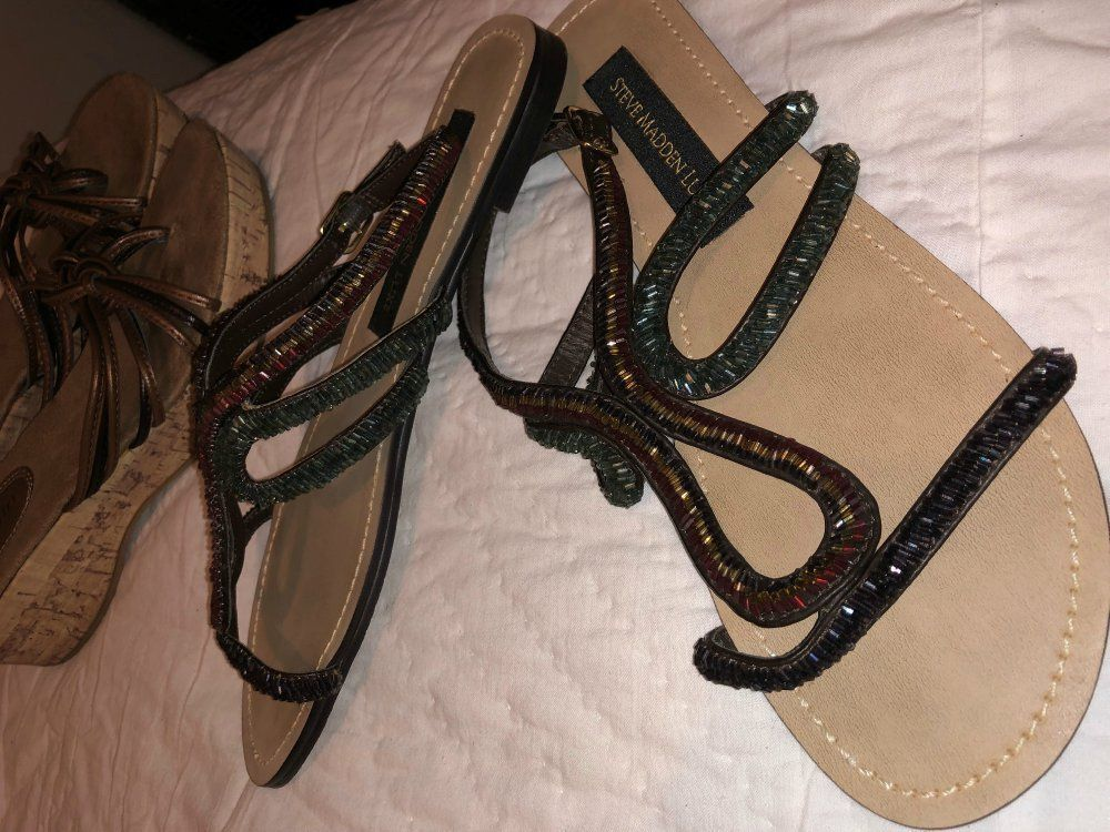 Lot 2pr Steve Madden Luxe Beaded Crystal Strappy Flat Sandals & SlipOn Wedges 7 Steve Madden Does Not Apply - фотография #2