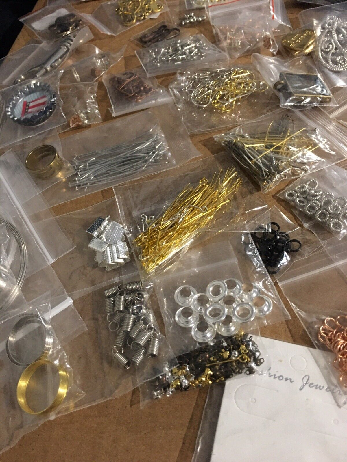 20 Bags Of FINDINGS Jewelry Making Supplies Lot Wire Closures Pendants 👑🐝 MrsQueenBeead - фотография #4