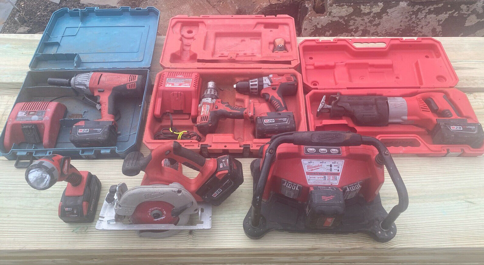 Milwaukee  M28  28-Volt Milwaukee