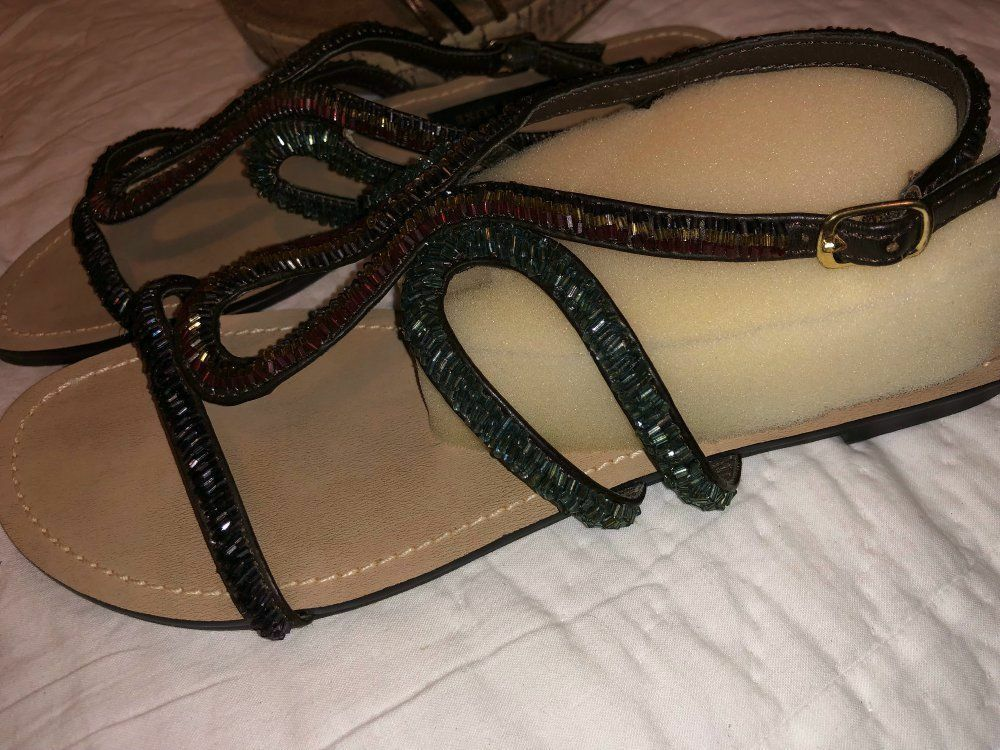 Lot 2pr Steve Madden Luxe Beaded Crystal Strappy Flat Sandals & SlipOn Wedges 7 Steve Madden Does Not Apply - фотография #3