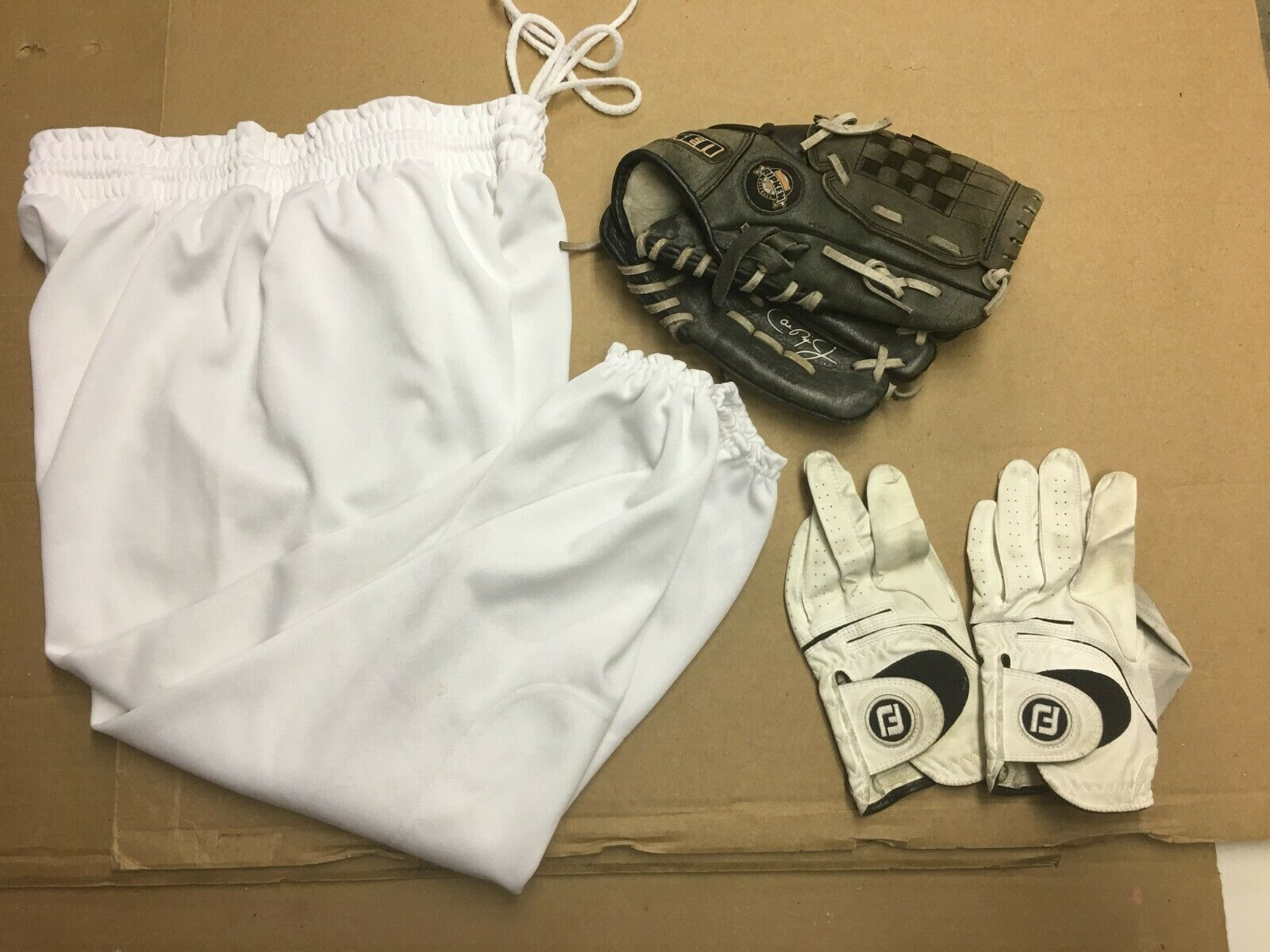 Youth Baseball Pants Size XL + Gloves + Baseball Glove (Lot of 3) #YP-59 South Athletic