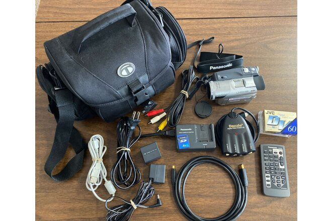 PANASONIC 3CCD PV-GS120 MiniDV Camcorder Video Camera Leica Dicomar SD Card LOT