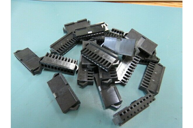 JST  SMP10VBC Qty of 489 per Lot 10 WAY MULTIWAY CONNECTOR; MALE; SNAP IN LOCK;