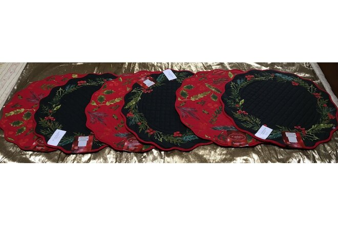 SET OF 6 CHRISTMAS HOLLY RED  BLACK GREEN QUILTED REVERSIBLE ROUND PLACEMATS*NWT