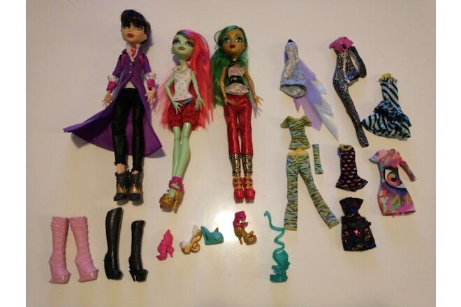 Monster high doll lot 3 dolls clothes