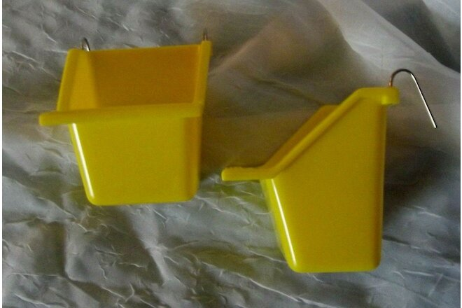 2 Small Bird Food Water Feeder Cups Yellow Med 4 oz. Wire Hooks