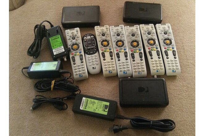 DIRECT-TV equipment HD Receiver C31-700 RC66RX/ Remotes power cables and spliter