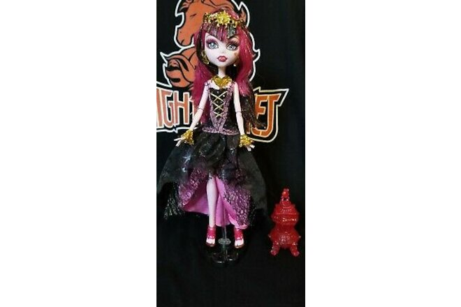 Monster High Draculaura Doll 13 Wishes Haunt the Casbah with Stand Mattel