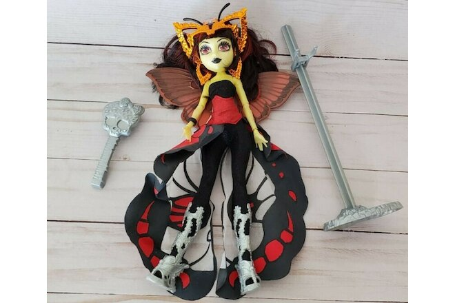 Monster High Boo York Luna Mothews Doll w Stand Brush Wings Complete Outfit
