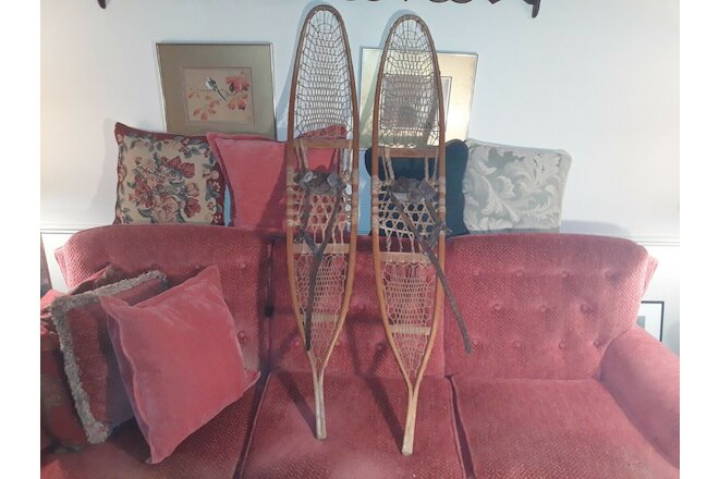 VINTAGE ANTIQUE C. A. LUND SNOWSHOES - GREAT CONDITION