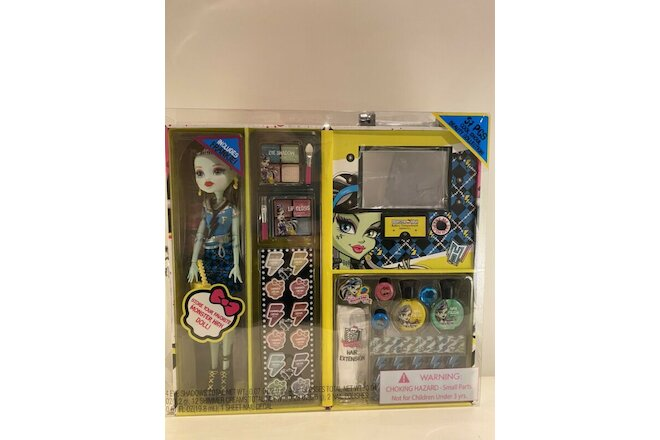 NEW Monster High Frankie Fashion Doll Case with 57 pcs Ghoul Beauty Collection